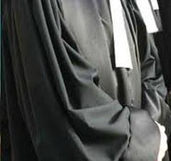 Interdiction temporaire d'exercice d'un avocat pour manquement aux principes essentiels de la profession